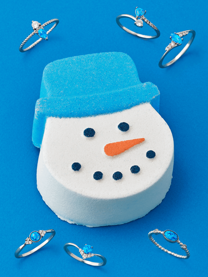 Charmed Aroma bath bomb with jewelry Snowman - Ring