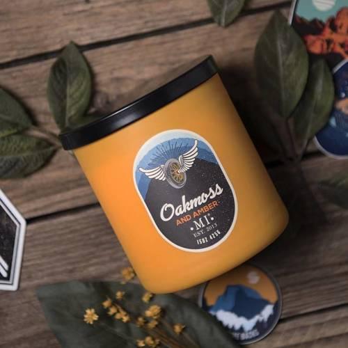 Colonial Candle All American męska sojowa świeca zapachowa w szkle 15 oz 425 g - Oakmoss & Amber