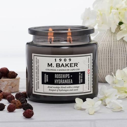Colonial Candle M. Baker duża sojowa świeca zapachowa w słoju 14 oz 396 g - Rosehips & Hydrangea